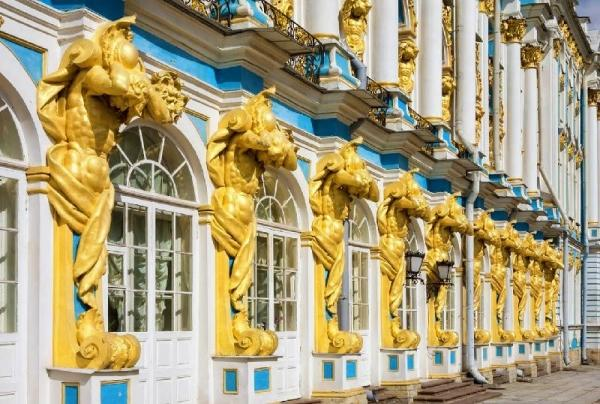 Skip-the-Line: 4-Hour Catherine Palace Small Group Tour