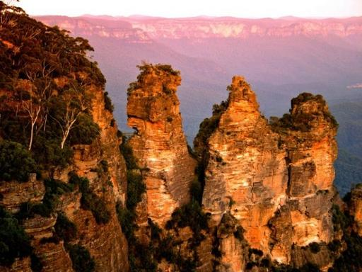 8-Day Australian Tour Package: Sydney - Ayres Rock - Cairns - Kuranda