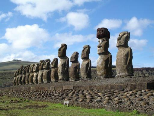 7-Day Chile Tour to Explore Santiago and Easter Island