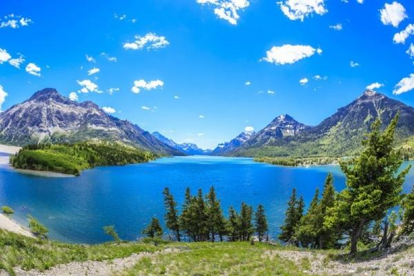 9-Day Canadian Rockies and Glacier Park Bus Tour Package