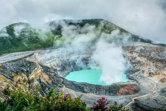 6-Day Costa Rica Volcanoes & Cloud Forest Independent Adventure