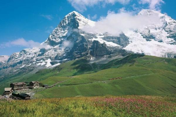 Kleine Scheidegg Day Trip from Zurich