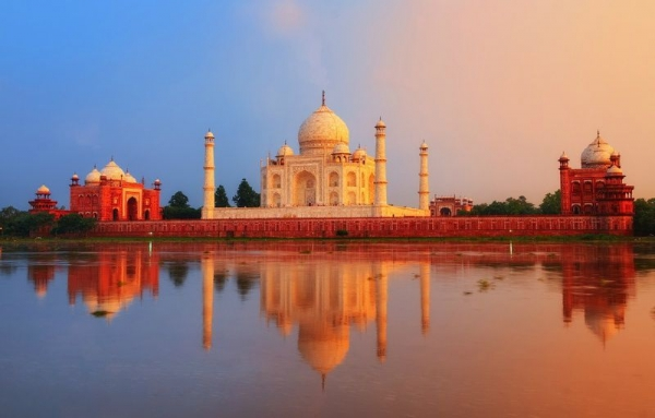 Icons Of India: The Taj, Tigers & Beyond With Varanasi
