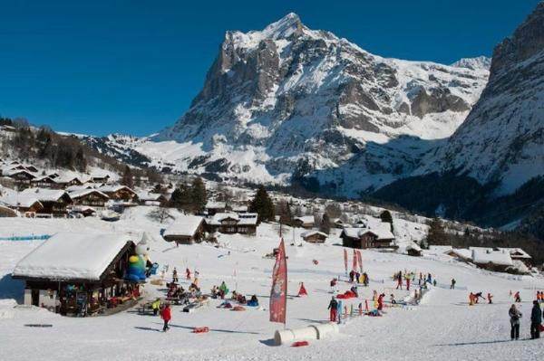 10-Hour Swiss Ski Experience from Lucerne