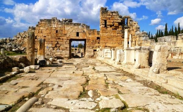 Pamukkale and Hierapolis Day Trip from Bodrum