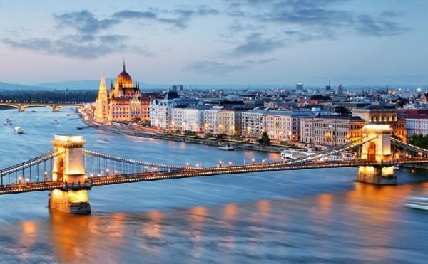 8-Day Central and Eastern Europe Tour: Berlin to Budapest