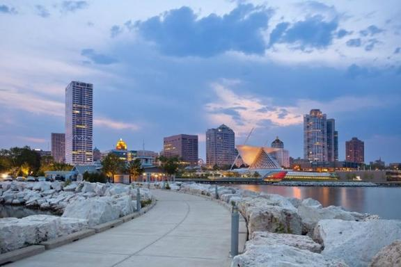 5-Day Great Lakes, Detroit and Chicago Bus Tour