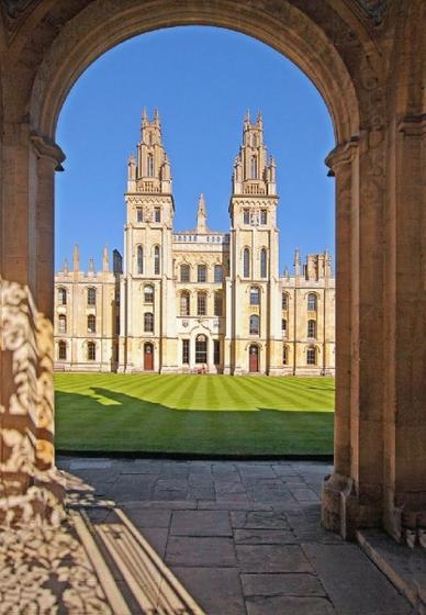 Oxford, Windsor Castle and Stonehenge Day Trip from London