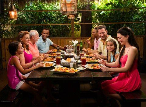 4-Hour Jungle Queen Dinner & Sightseeing Cruise