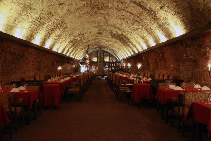 Queen Elizabeth Wine Cellars Dinner
