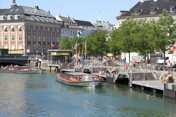 Copenhagen Sightseeing Tour w/ Canal Cruise