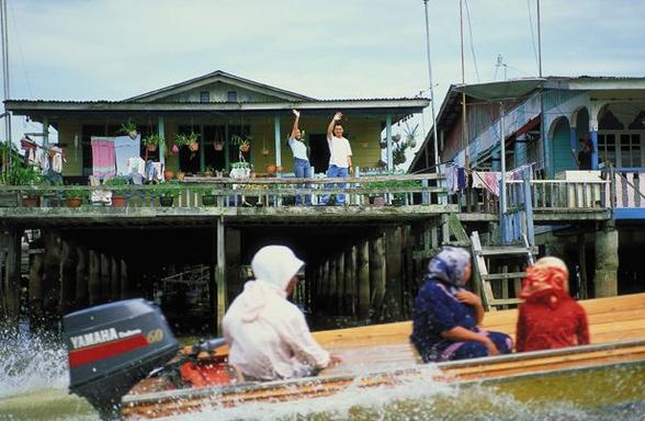 Kampong Ayer Tour