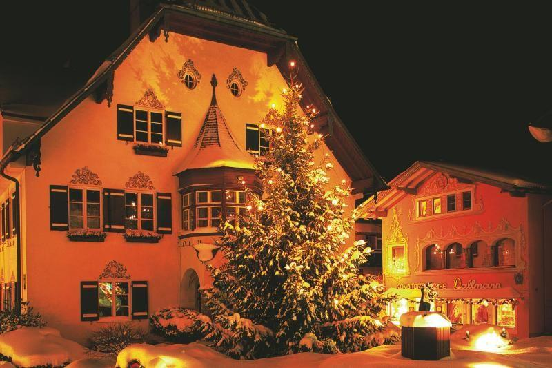 Advent in Salzkammergut Tour: Christmas in Austria's Lake District