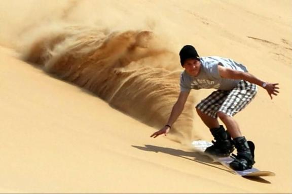 Dubai Sandboarding Safari