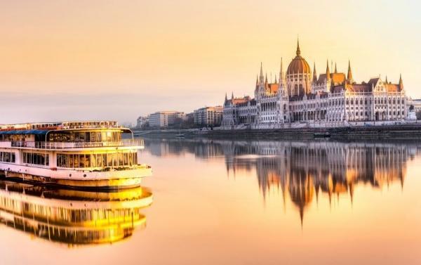 7-Day Central Europe Tour Package: Vienna - Budapest - Bratislava - Prague