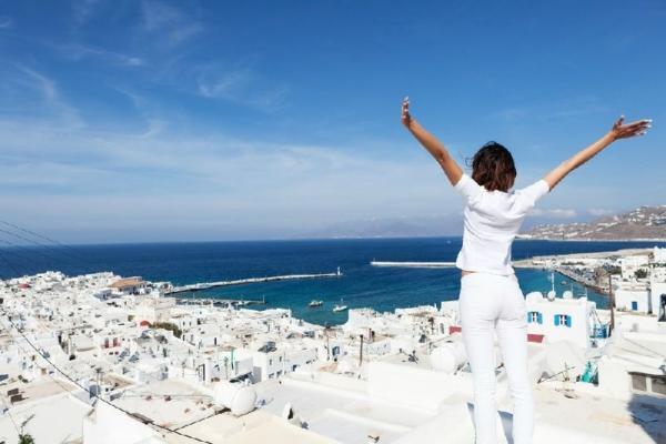 9-Day Athens, Mykonos, Santorini, and Ios Tour
