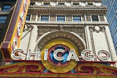 chicago to niagara falls tours:The Chicago Theatre Marquee Tour