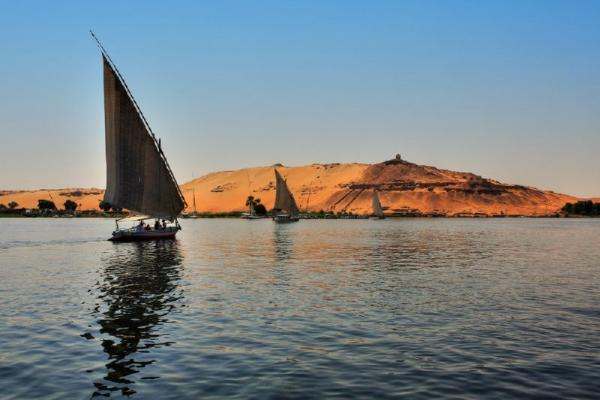 9-Day Best of Egypt Luxury Tour & Nile Cruise**4 Nights at 5-star hotel bed and breakfast**