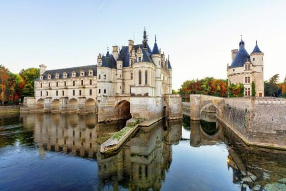1-Day Chateaux Country Guided Tour