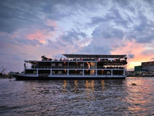 10-Day Mekong River Adventure Cruise: Siem Reap to Ho Chi Minh City