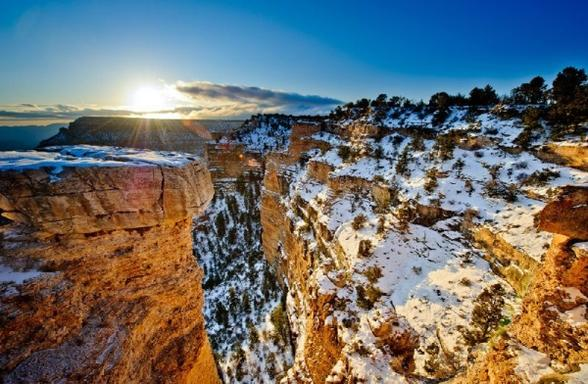 9-Day West Coast Winter Tour: Yellowstone, Grand Teton, Snow King Mountain, & Grand Canyon