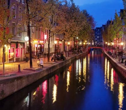 8-Day London to Amsterdam and Paris Tour