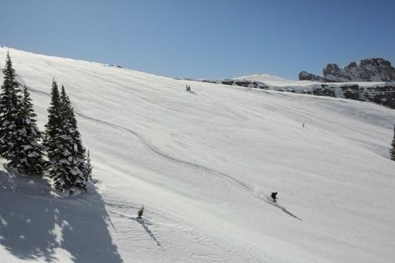 5-Day Yellowstone Winter Tour From Salt Lake City: Jackson, Grand Teton, and Snow King Mountain