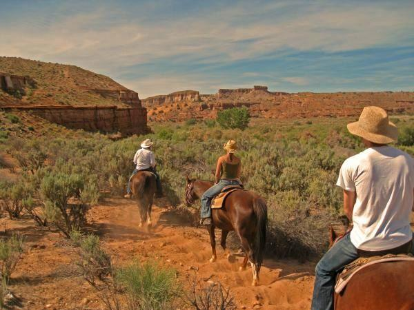 4-Day National Parks Camping Tour: Zion, Bryce Canyon, Monument Valley and Grand Canyon