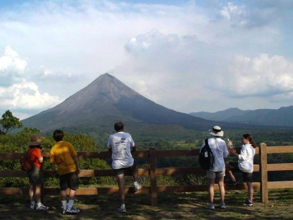 17-Day Central America Adventure Tour: Antigua to San Jose