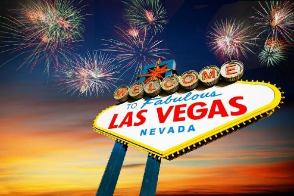 8-Day West Coast Holiday: California Christmas & Las Vegas New Year Tour