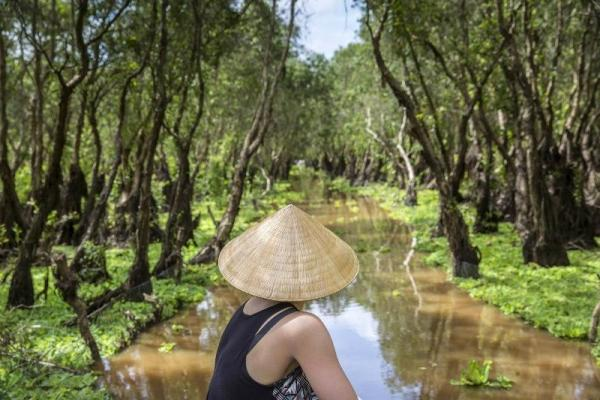 8-Day Mekong River Cruise Adventure: Siem Reap to Ho Chi Minh City