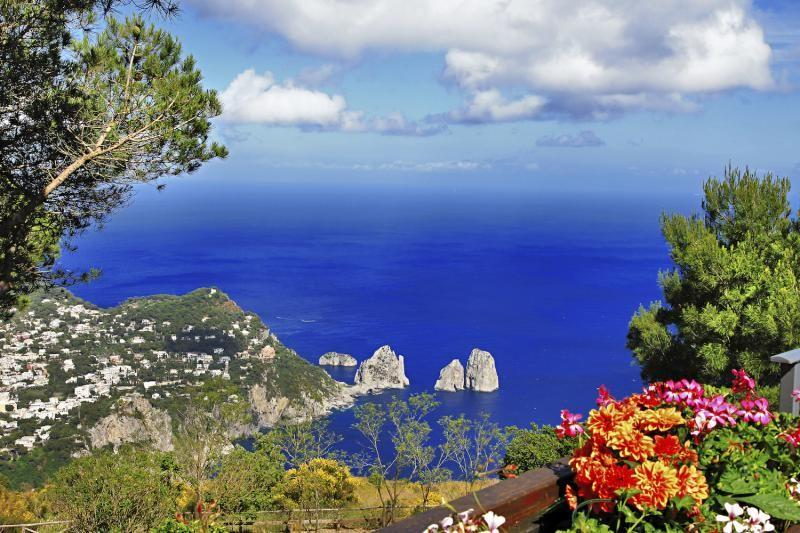 3-Day Southern Italy Tour Package from Rome: Naples - Pompeii - Sorrento