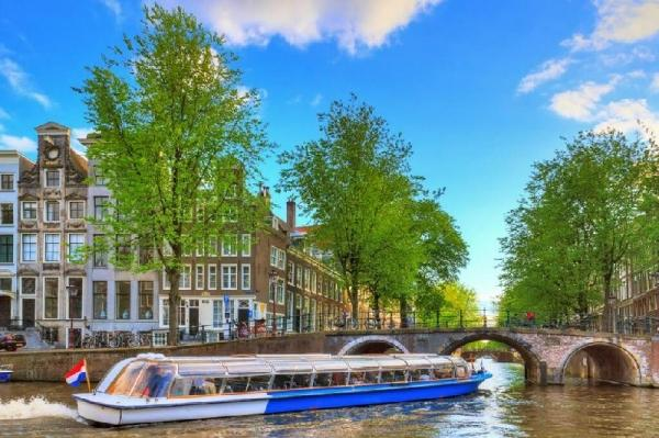 Amsterdam Sightseeing and Windmill Villages Tour w/ Canal Cruise