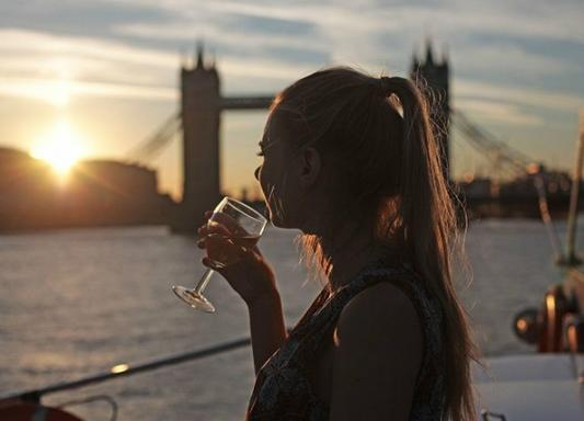 4-Hour River Thames Dinner Cruise