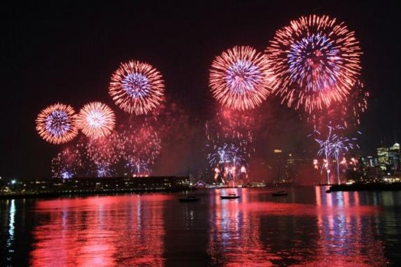 6-Day 2017 New Year's Eve Countdown Tour: DC - Niagara Falls - Boston - New York