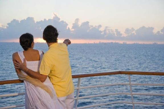 7-Day Bahamas Cruise and Miami Discovery Tour: Majesty of the Seas