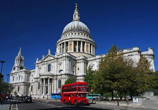 London Open-Top Bus Tour and Christmas Lunch Cruise
