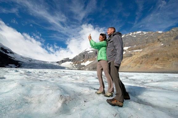 Ultimate Explorer Combo Package: Banff Gondola, Glacier Adventure, Glacier Skywalk, and Lake Cruise