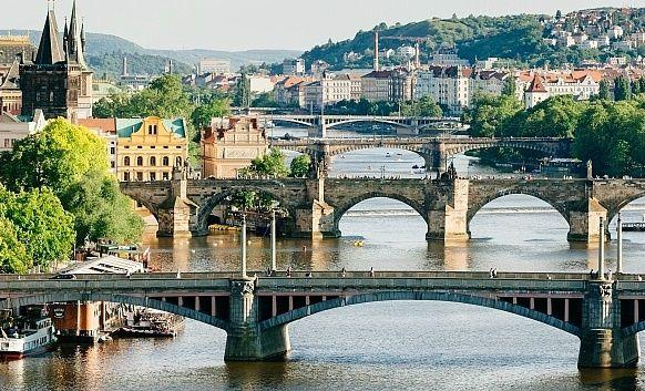 Prague Full-Day Sightseeing Tour From Vienna