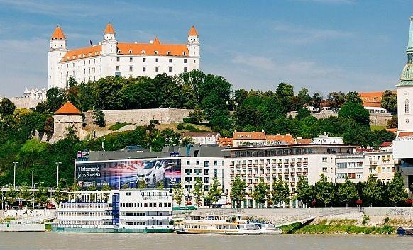 Bratislava Day Trip from Vienna by Bus and Boat