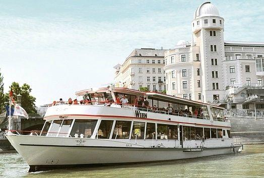 Vienna Hop-On, Hop-Off Tour w/ Danube Boat Cruise