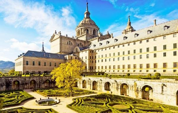 El Escorial and Valley of the Fallen Day Trip w/ Toledo Sightseeing