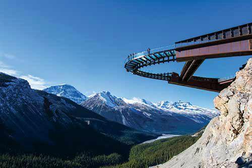 Jasper Explorer Combo Package: Glacier Skywalk, Glacier Adventure, & Maligne Lake Cruise