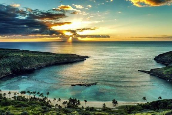 5-Day Oahu Tour: Honolulu, Pearl Harbor, Diamond Head Lookout, & Island Day Trip