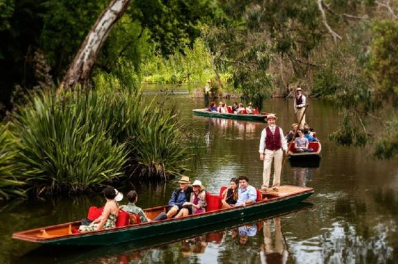 Melbourne City Tour W/ Botanical Gardens Boat Ride