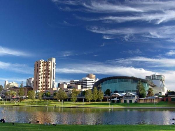 Adelaide City Tour w/ River Cruise