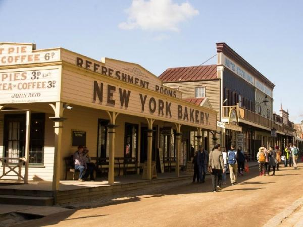 Sovereign Hill Tour with Lunch