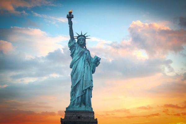 20-Day Grand USA Cruise and Land Tour: New York, Washington, D.C., Niagara Falls, Orlando, Las Vegas and San Francisco