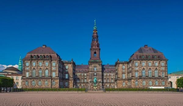 Copenhagen Highlights Walking Tour W/ Christiansborg Palace