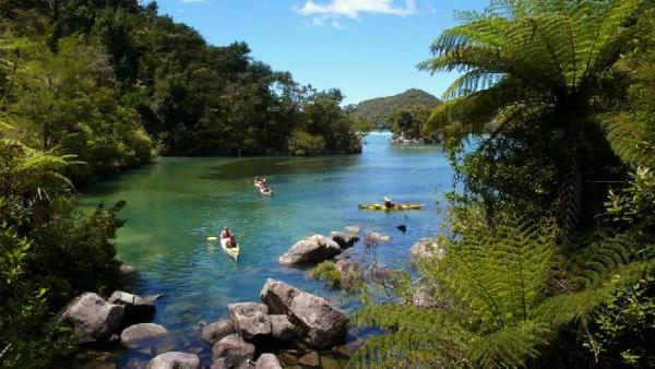 3-Day All-Inclusive Abel Tasman Coast Track Kayaking & Walking Tour